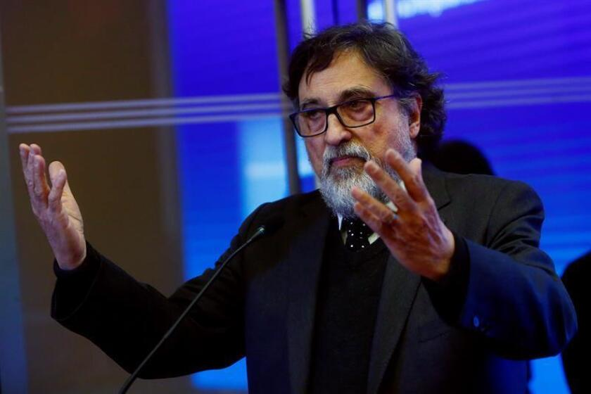 """En la imagen, el cineasta chileno Silvio Caiozzi, director del filme """"Y de pronto el amanecer?"""". EFE/Archivo"""