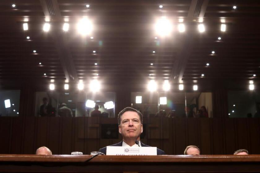 El exdirector del FBI James Comey durante el Comité de Inteligencia del Senado sobre las investigaciones de la administración Trump y su posible relación con Rusia durante la campaña electoral, en Washington (Estados Unidos). EFE/Archivo