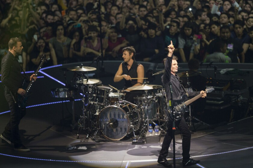 Muse offers big issues, echoes of Pink Floyd at Staples