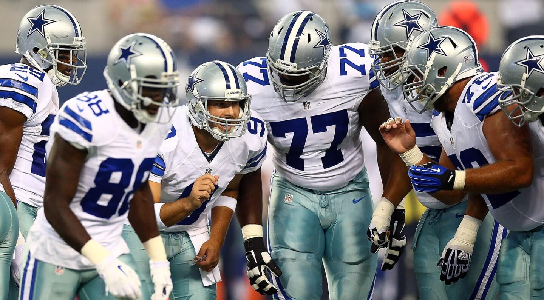 1) Dallas Cowboys / EEUU / Futbol americano: 4 MIL millones de dólares.