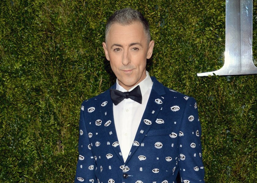 """FILE - In this June 7, 2015 file photo, Alan Cumming arrives at the 69th annual Tony Awards in New York. Cumming, who starred in a concert series """"Alan Cumming Sings Sappy Songs"""" at the elegant Cafe Carlyle last summer, has a live CD of the concert and now on a mini tour. (Photo by Evan Agostini/In"""
