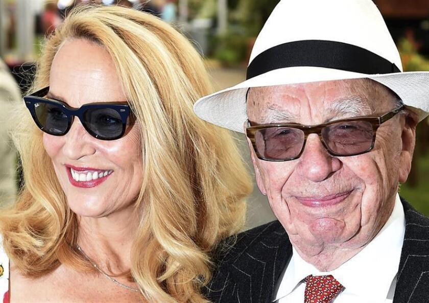 El magnate de la prensa Rupert Murdoch y su mujer Jerry Hall. EFE/Archivo