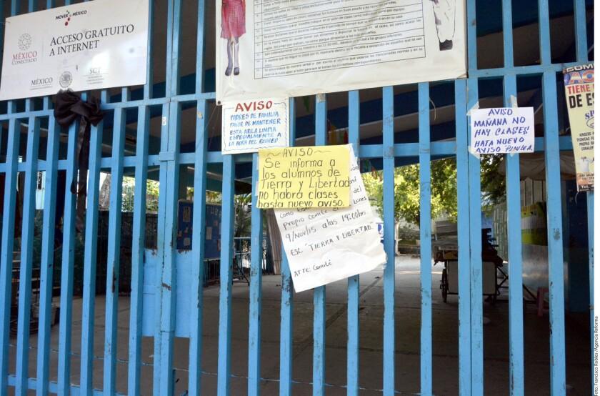 Una escuela más paró labores en Acapulco con lo que suman ocho instituciones educativas cerradas por la inseguridad.