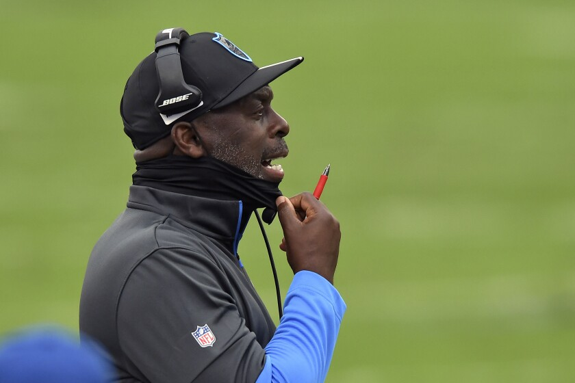 Chargers head coach Anthony Lynn shouts to his team during game at Tampa Bay.