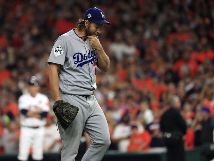 Su apertura será la octava consecutiva que haga Kershaw, ganador de tres premios de Cy Young, con los Dodgers en el primer día de competición. EFE/Archivo