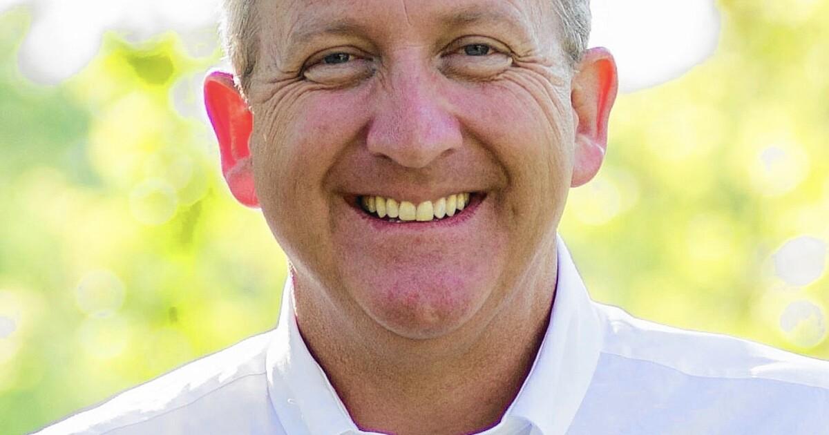 Thousand Oaks anggota dewan, seorang pendeta, mengundurkan diri, mengatakan ia akan menentang coronavirus order