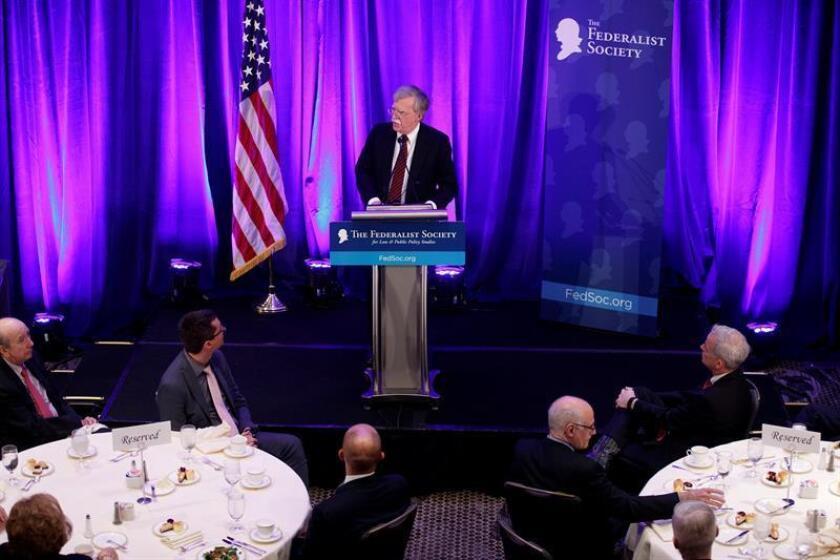 El asesor de seguridad Nacional de la Casa Blanca, John Bolton, pronuncia su discurso durante el almuerzo de la Sociedad Federalista, en Washington (EE.UU), hoy, 10 de septiembre de 2018. EFE