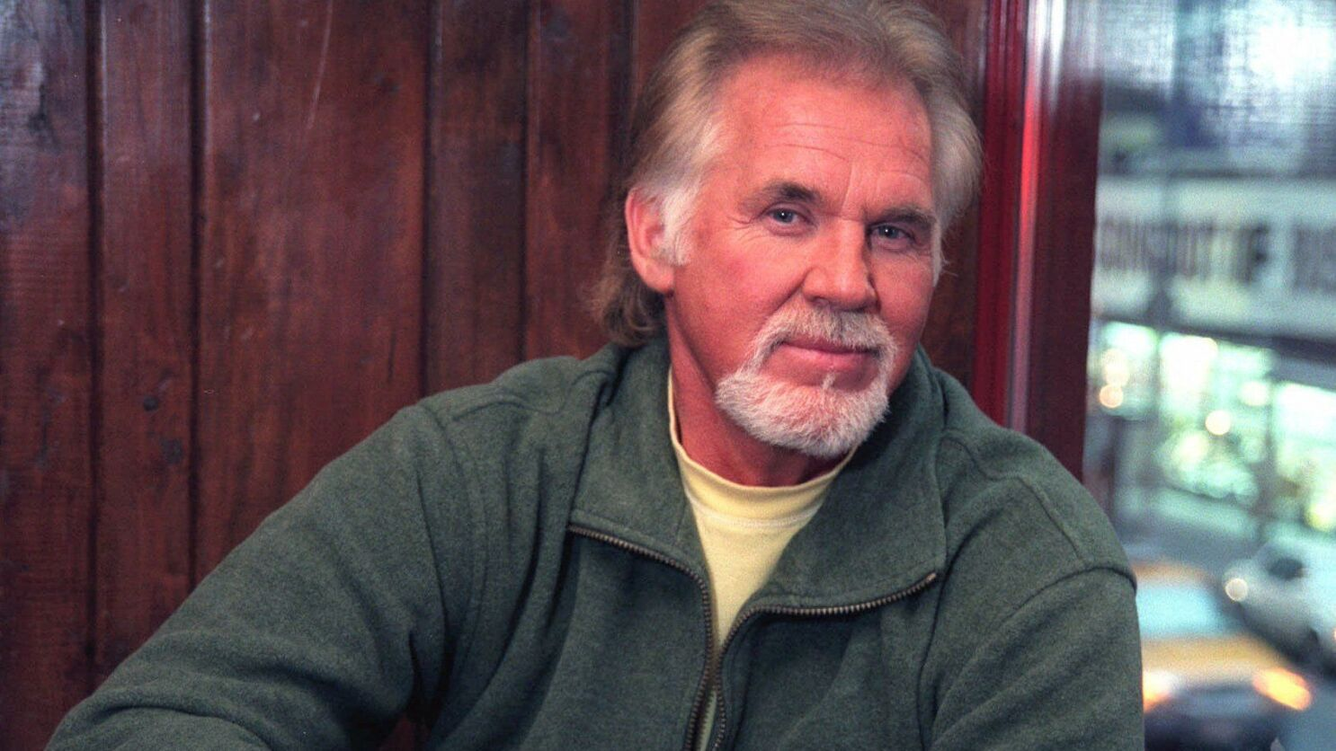 Kenny Rogers Country Pop Hitmaker And Crossover Star Dead At 81 Los Angeles Times