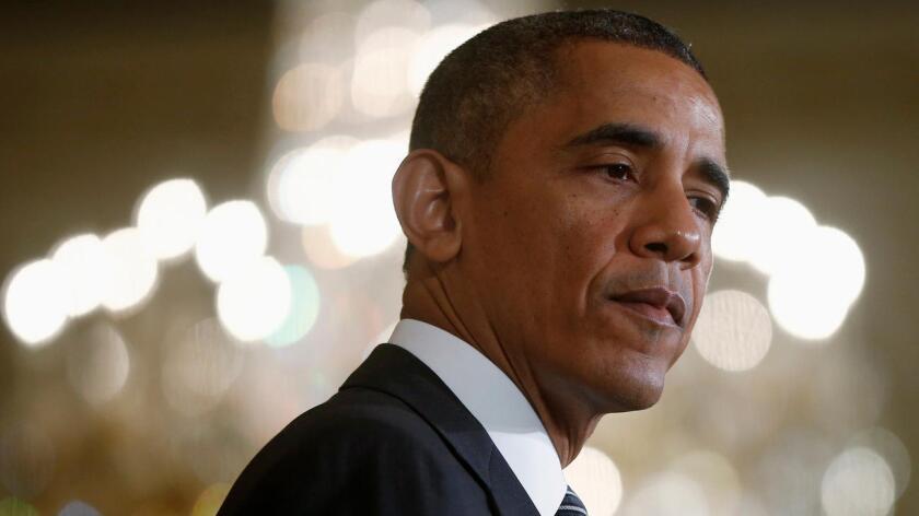"""""""Por segunda vez en dos semanas, los agentes de policía que ponen sus vidas en riesgo cada día por nosotros, estaban haciendo su trabajo cuando fueron asesinados en un ataque cobarde"""", dijo Obama en su declaración."""