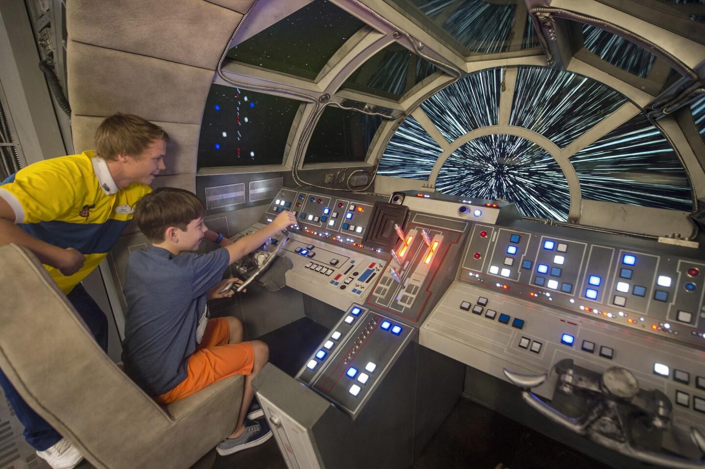 El área de 'Star Wars', donde los niños se sienten dentro de la nave espacial Millenium Falcon.