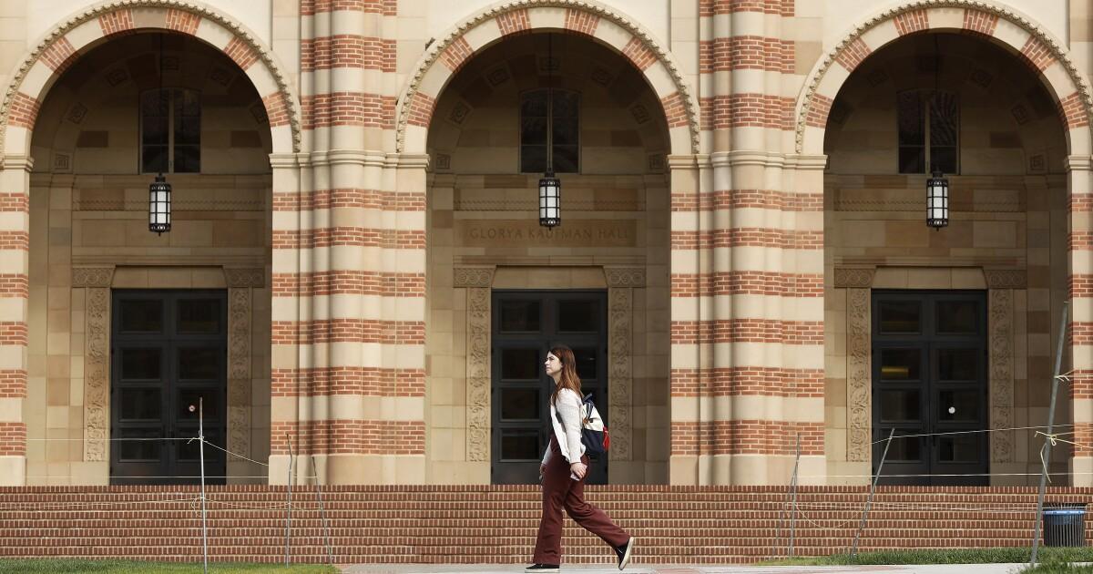 UCLA-student-tests positiv für COVID-19, behandelt wird, im Krankenhaus