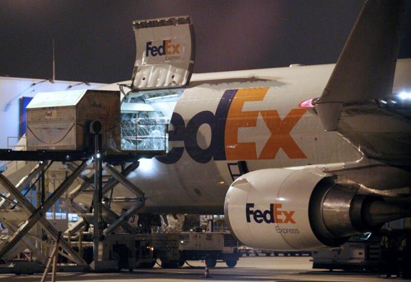 FedEx, la mayor compañía aérea y de logística internacional, encargó al fabricante aeronáutico Boeing un nuevo pedido de 24 aviones de carga valorados en unos 6.600 millones de dólares a precio de catálogo. EFE/Archivo