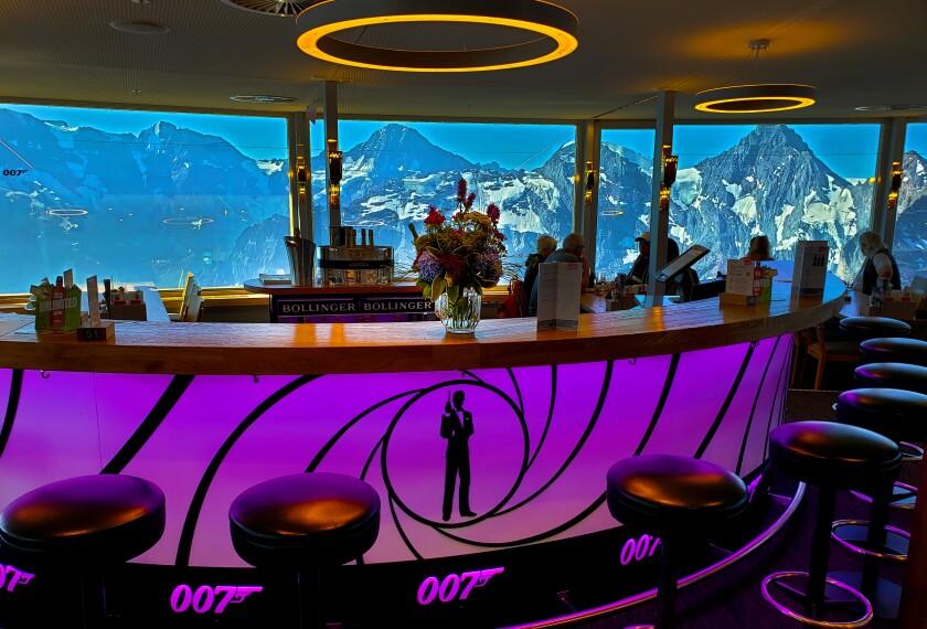 Bond 007 Bar and restaurant.jpg