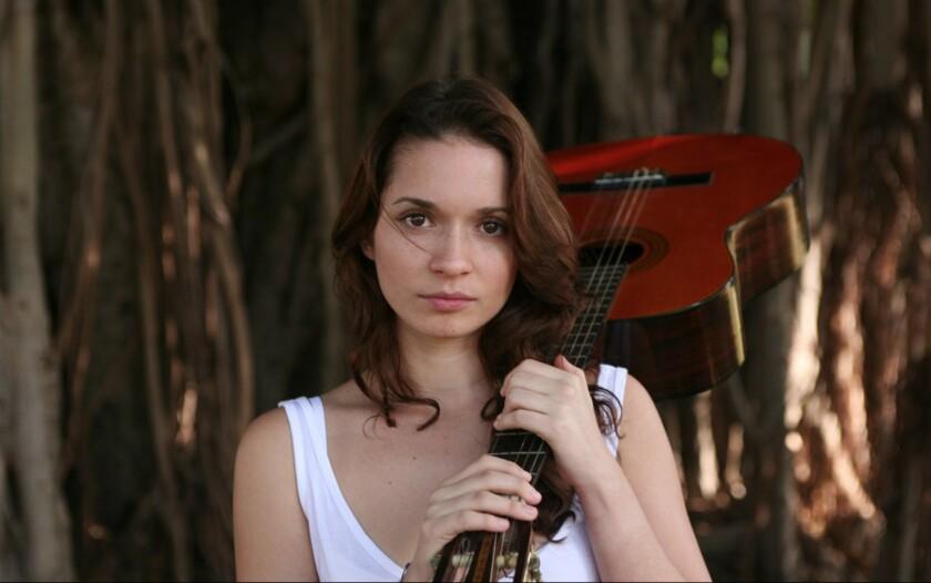 Diana Fuentes pasa del pop a los alternativo en su nuevo propuesta musical