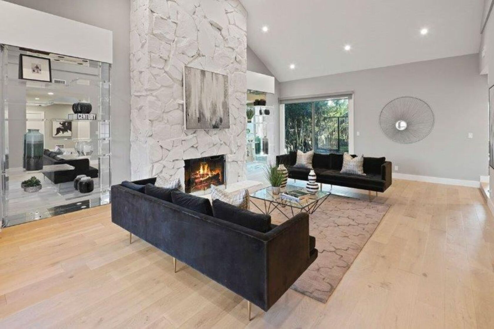 Longtime Home Of Earth Wind Fire S Maurice White Lists In Beverly Crest Los Angeles Times,Electric Car Charging Stations Near Me Tesla