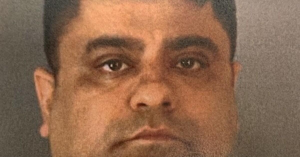 Nach Streich schief gegangen ist, Corona-Mann des Mordes angeklagt Todesfälle in der 3 teens