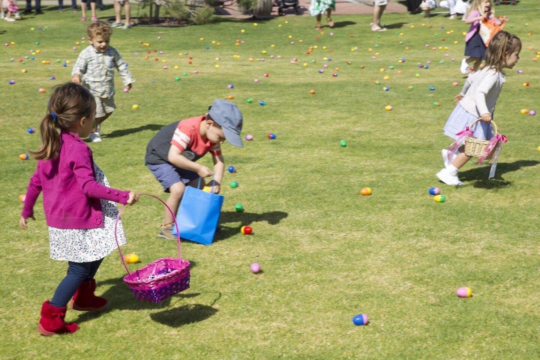 2017 Easter Egg Hunt at Seagrove Park in Del Mar