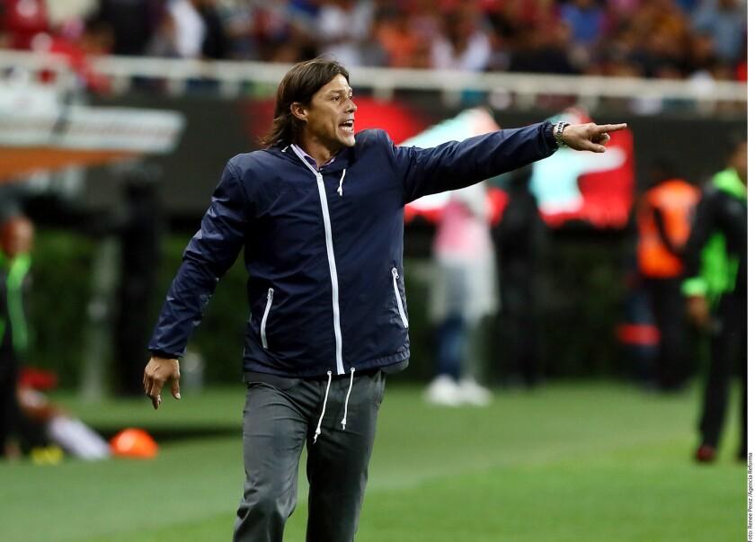 El entrenador argentino dice que las Chivas van mejorando.