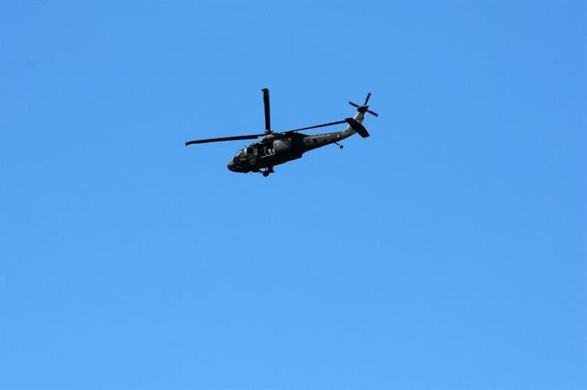 Dos militares murieron hoy al precipitarse al mar el helicóptero de la Guardia Nacional Aérea en el que se transportaban sobre aguas del Golfo de México por causas que aún se desconocen, confirmaron fuentes castrenses citadas por medios locales. EFE/ARCHIVO