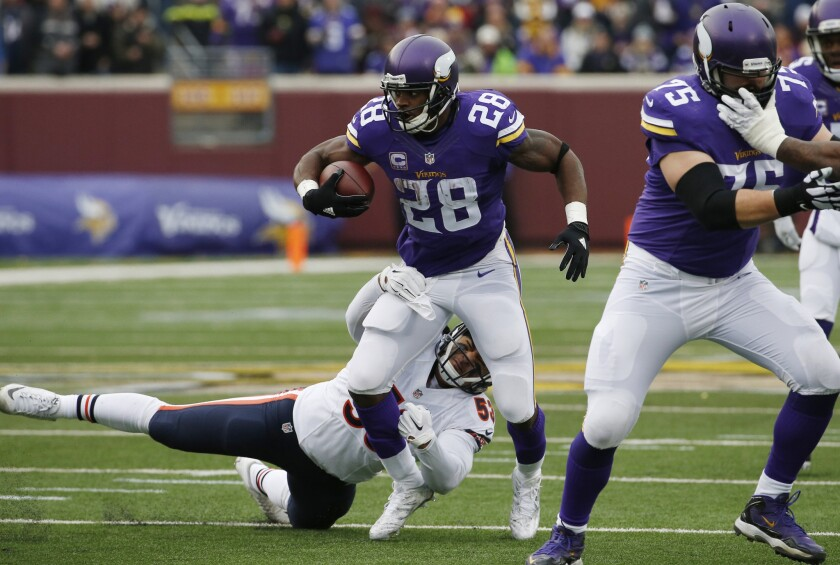 Vikings' Adrian Peterson is held out of practice for the second straight day