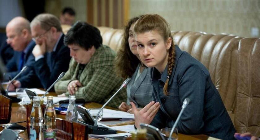 Maria Butina, una supuesta espía rusa encubierta, participa en una reunión de un grupo de expertos del Gobierno ruso en Moscú (Rusia) en una foto cedida. EFE/Servicio de prensa de la Cámara Cívica de la Federación Rusa/FOTO CEDIDA SOLO USO EDITORIAL/PROHIBIDA SU VENTA
