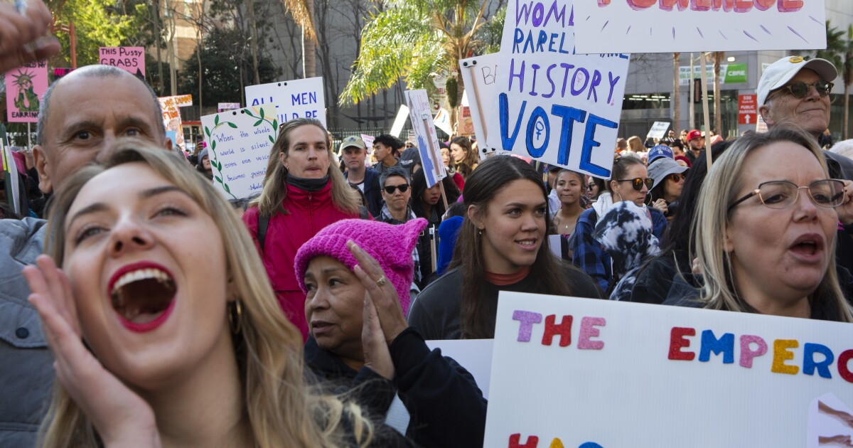 Thousands turn out for Women's March in downtown L.A.