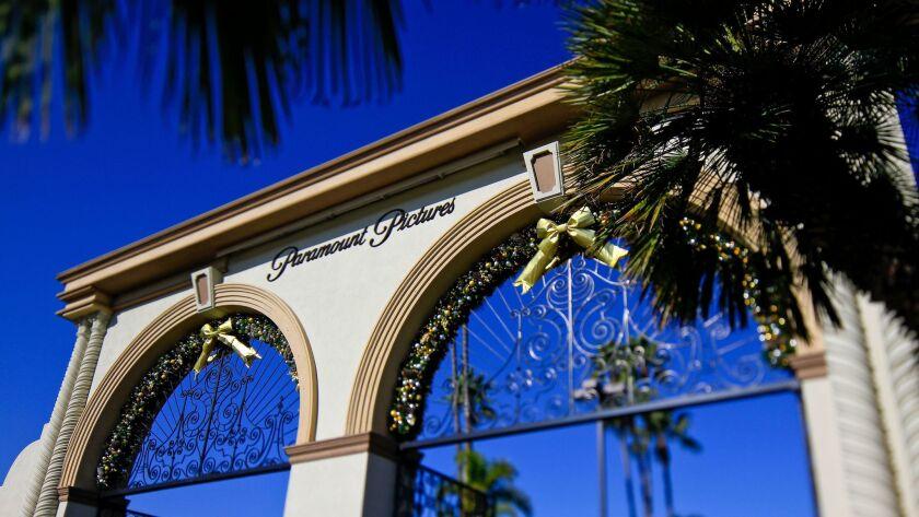 DeAratanha, Ricardo –– – HOLLYWOOD, CA – DECEMBER 08, 2011 – View of the Melrose entrance to Paramou