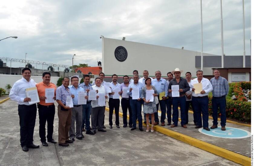 Foto de archivo. Una veintena de alcaldes presentaron la semana pasada en la delegación de la PGR una denuncia contra la Secretaría de Finanzas de Veracruz por el desvío de fondos federales, etiquetados para sus municipios y que no han recibido.
