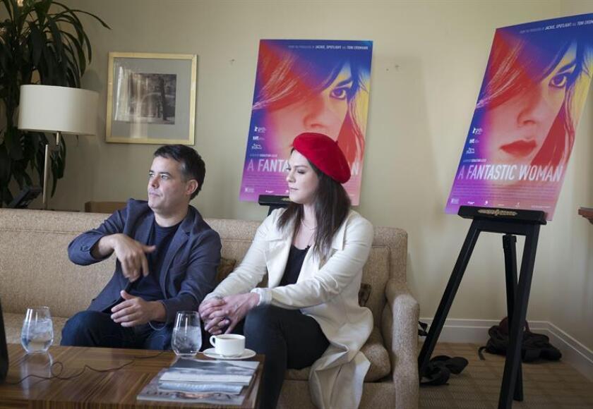 El director de cine chileno, Sebastián Lelio, y la actriz Daniela Vega hablan con Efe durante un encuentro el 6 de febrero de 2018, en Beverly Hills, California. EFE/Archivo