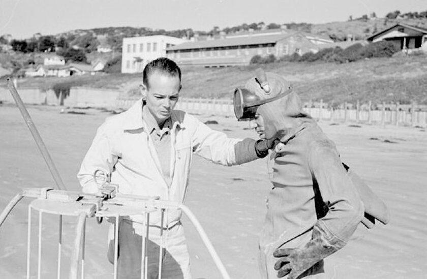 Scripps coastal oceanographer Doug Inman (left) with Bob Wisner in 1948.