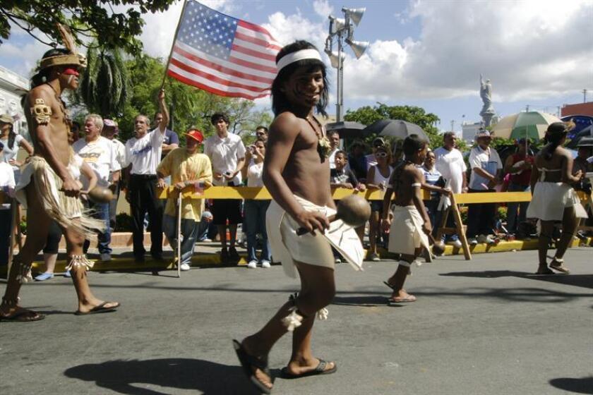 Los taínos, una etnia indígena asociada con los habitantes del Caribe, no se extinguieron como se afirma frecuentemente sino que se integraron a la nueva civilización después de la llegada de los españoles manteniendo todavía sus raíces, asegura un estudio publicado hoy. EFE/Archivo