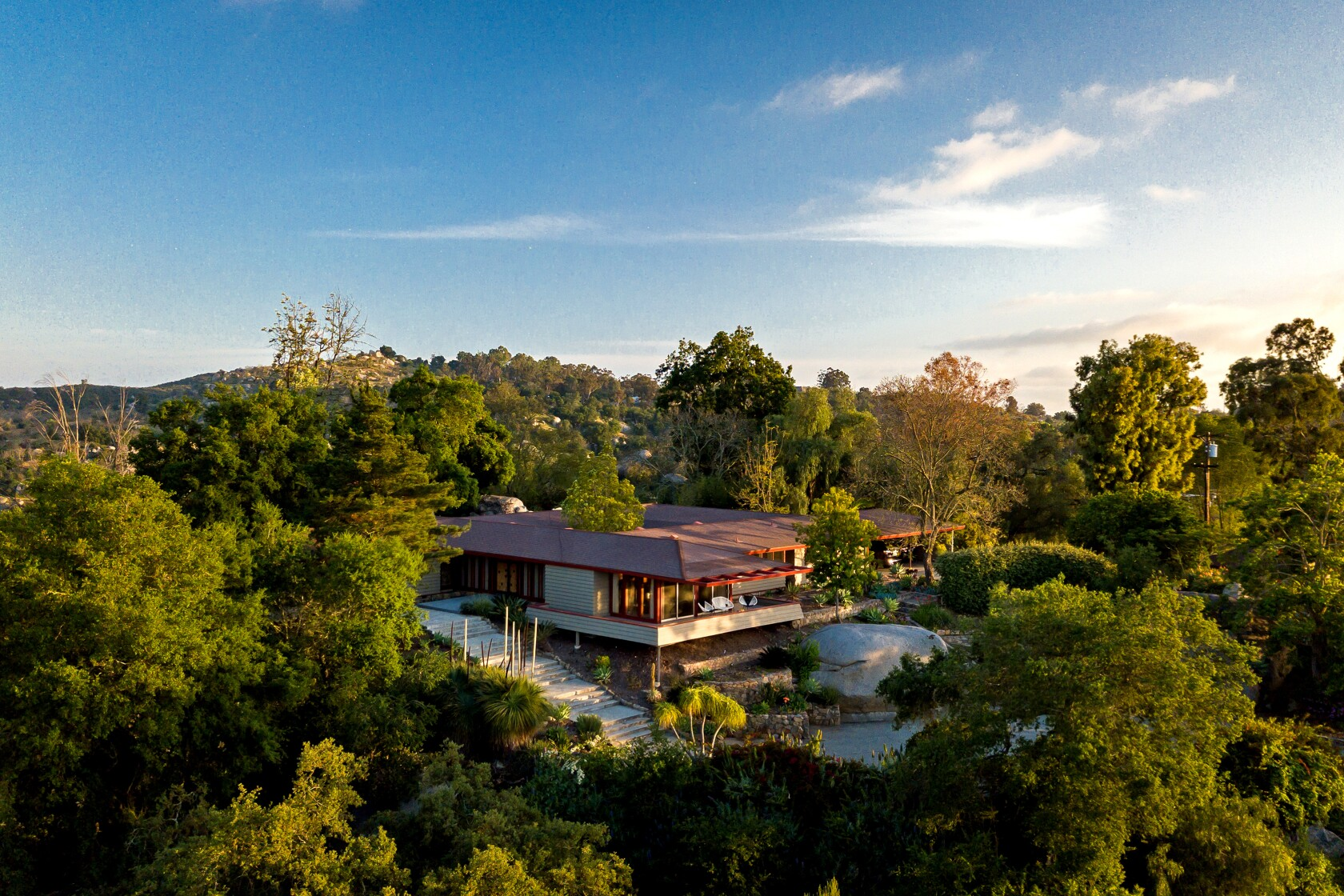 Home of the Week: Feeling groovy in Escondido's wide-open spaces