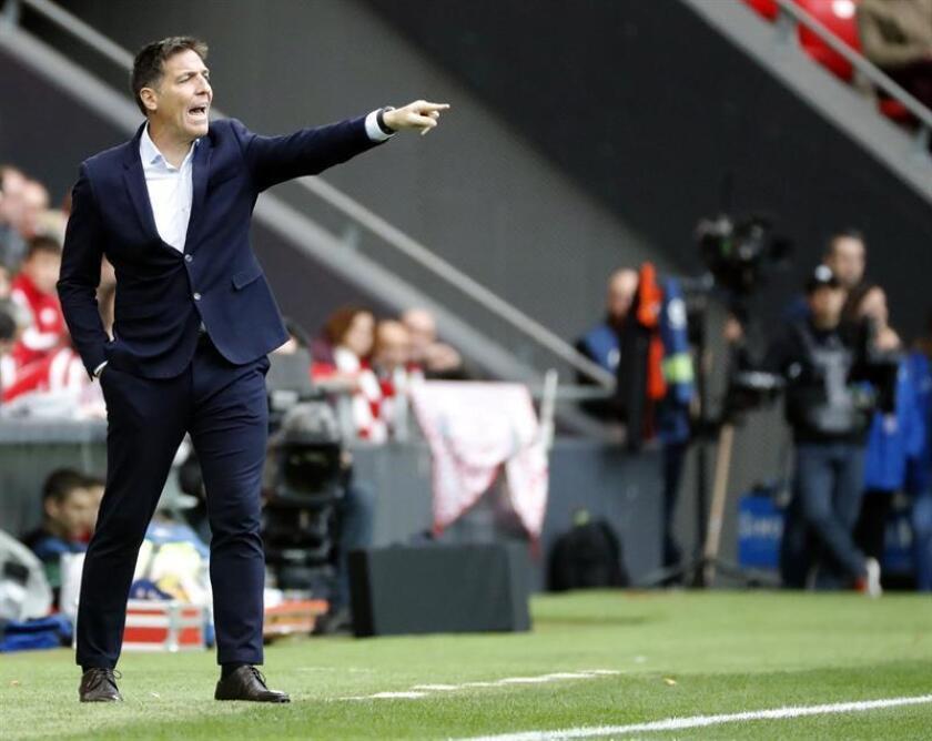 El entrenador del Athletic de Bilbao, Eduardo Berizzo, durante el partido correspondiente a la decimotercera jornada de LaLiga Santander,que el Athletic y el Getafe disputaron en el estadio de San Mamés. EFE