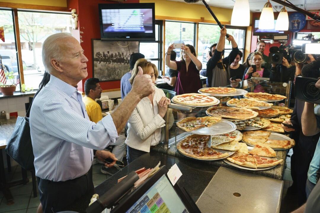 """Joe Biden visitante la pizza de Gianni en Wilmington, Delaware. """"Pancho ="""" 1080 """"categoría = """"720"""" />   <div class="""
