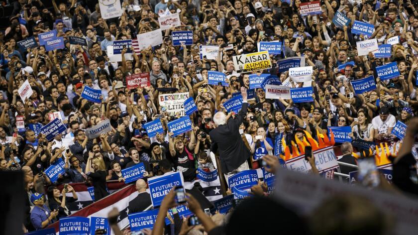 """""""A Bernie Sanders no debe de gustarle mucho la deshonesta Hillary después de la forma en la que lo ha engañado. Muchos de sus seguidores, por el tema del comercio, vendrán a mí"""", predijo ayer en su cuenta de Twitter el magnate, que ya tiene los delegados necesarios para asegurarse la candidatura republicana."""