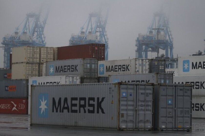 Port-strike talks continue even on Sunday, but stalemate goes on
