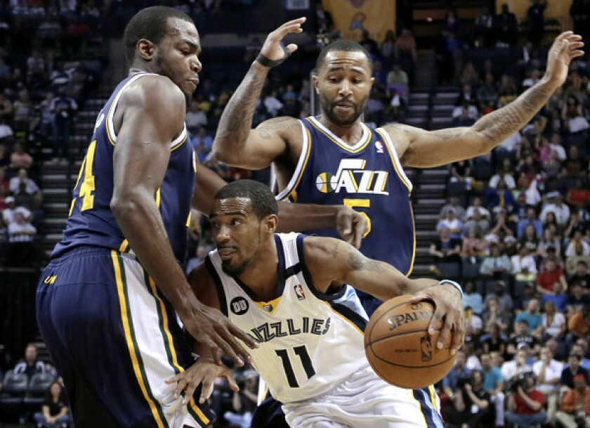 Lakers clinch playoff berth when Jazz lose to Grizzlies