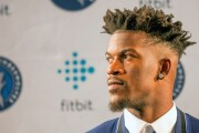 Jimmy Butler treats Bulls' staffers to dinner