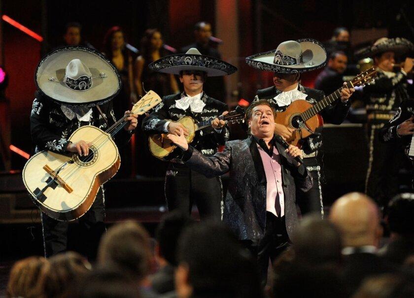 Juan Gabriel fans mourn the popular Mexican singer's passing