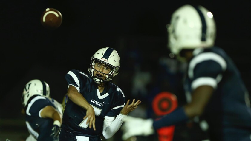 Quarterback Luca Diamont and Venice take on Palisades with first place in the Western League on the line.