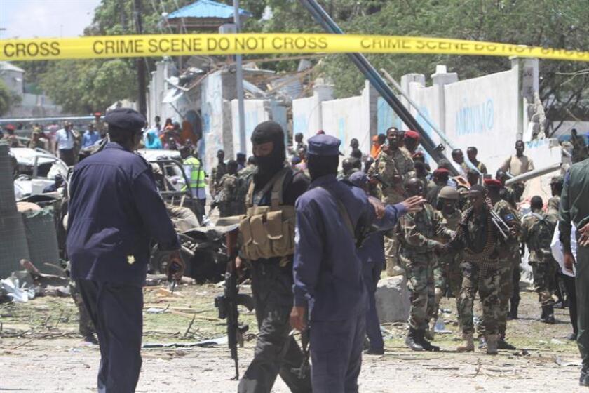 El Ejército, en una acción coordinada con las autoridades locales, ejecutó este jueves un ataque aéreo contra combatientes del grupo terrorista Al Shabab en Somalia, en el cual fueron abatidos doce presuntos yihadistas, informó hoy el mando militar para África (Africom). EFE/Archivo