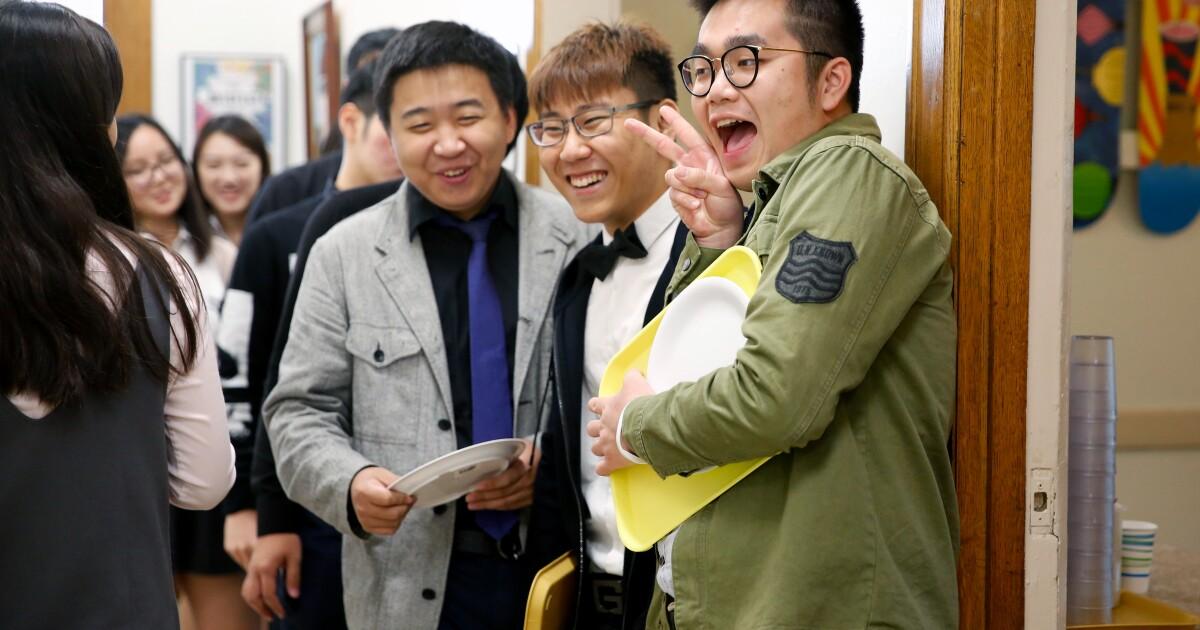 Kalifornien bleibt der top-US-destination für ausländische Studierende, die Einschreibung noch rutscht