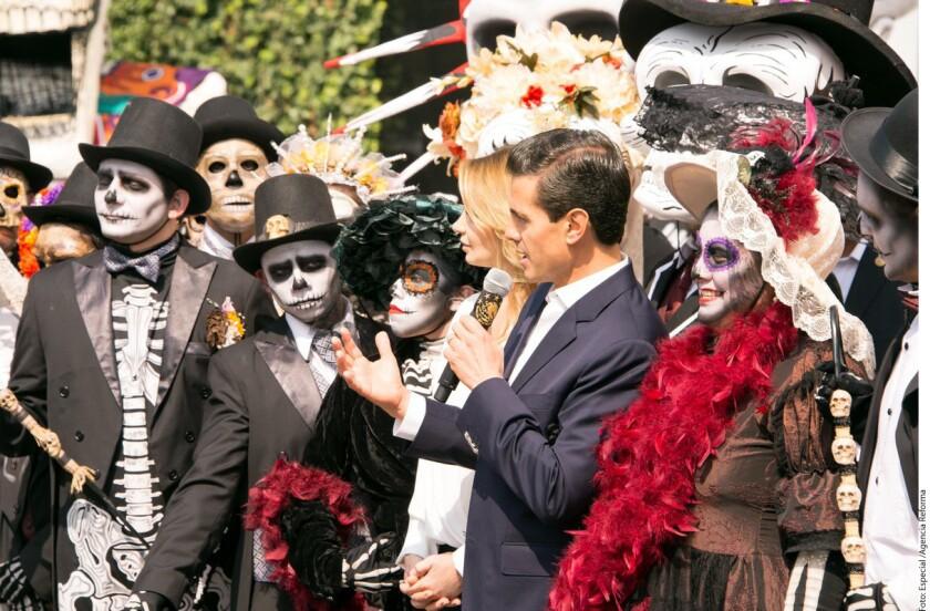La Comisión Nacional de Seguridad (CNS) y la Procuraduría General de la República (PGR, fiscalía) participaron en un operativo simultáneo en México y Estados Unidos que derivó en la detención de nueve miembros de un grupo delictivo vinculado a la trata de personas, informaron hoy las agencias mexicanas.
