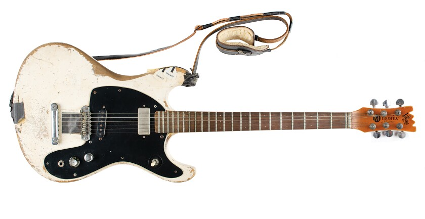 la guitarra eléctrica Mosrite Ventures II de 1965 que tocaba Johnny Ramone.
