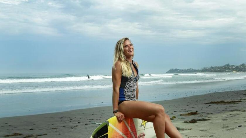 pac-sddsd-professional-surfer-courtney-20160820-002