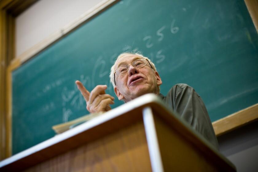 UC Berkeley philosophy professor Hubert Dreyfus teaches a class on German philosopher Martin Heidegger in 2007 at the university campus in Berkeley, Calif.