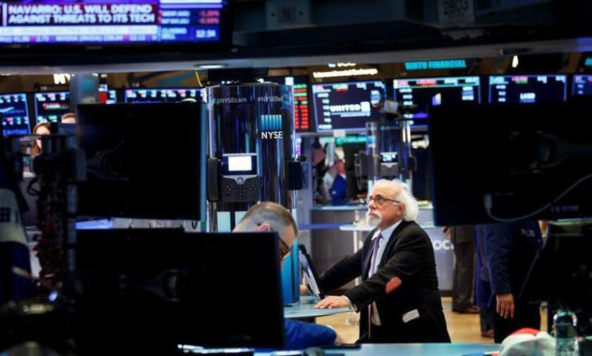 Wall Street abre con ganancias y el Dow Jones sube un 0,82 %