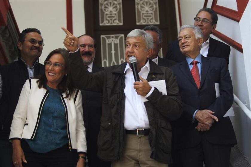 """El próximo presidente de México, Andrés Manuel López Obrador, anunció hoy que este fin de semana se trasladará hasta el suroriental estado de Chiapas para hacer """"trabajo de campo"""" de forma discreta y poder hablar con la población indígena y los campesinos sin presencia de periodistas. EFE"""