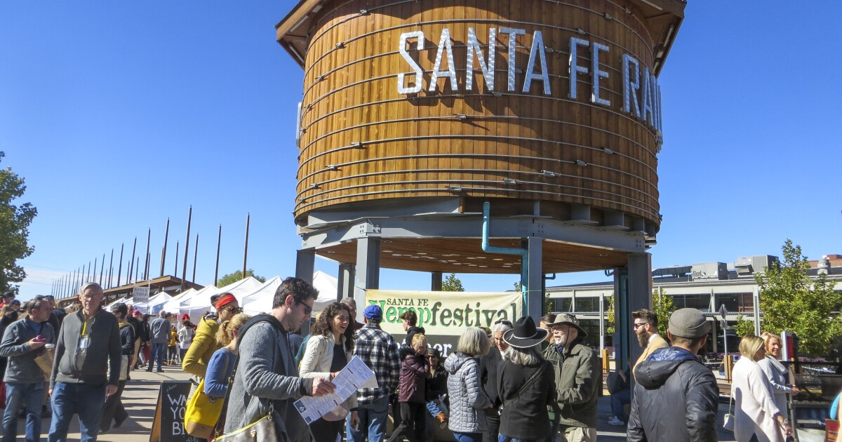 On A Weekend Trip To Santa Fe It S Margaritas And Musical Beds Los Angeles Times