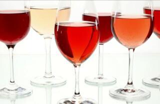 Beber alcohol supera el ejercicio para vivir más allá de los 90, según un estudio